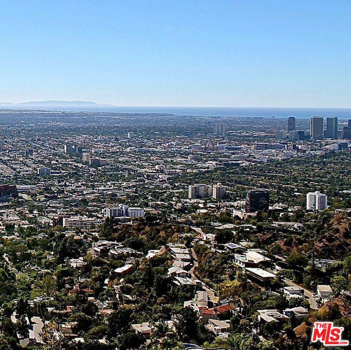 2115 SUNSET PLAZA, Los Angeles (City), CA 90069