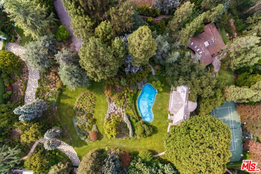 Photo of 320 DELFERN DR, Los Angeles, CA 90077
