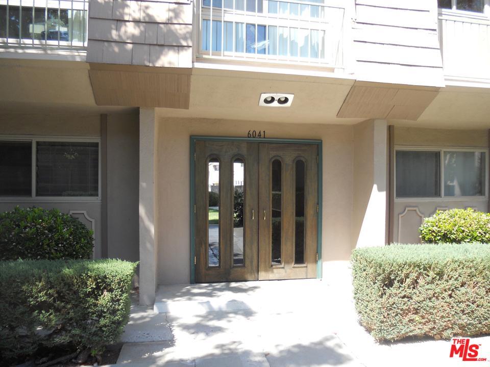 Photo of 6041 FOUNTAIN PARK LN., Woodland Hills, CA 91367