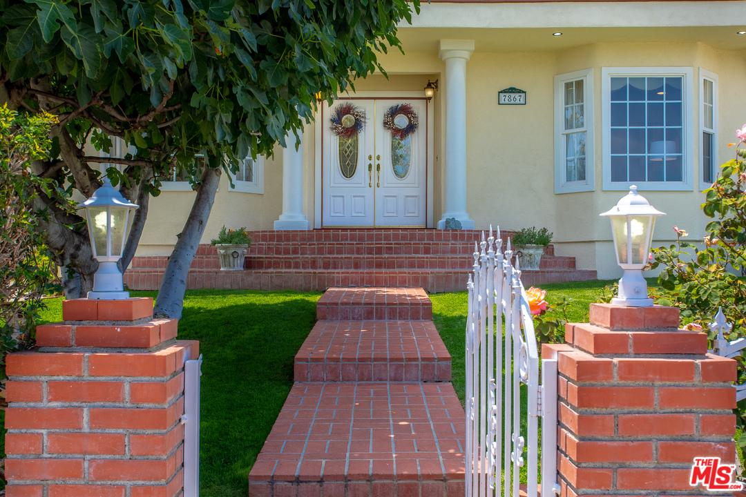 Property for sale at 7867 YORKTOWN AVE, Los Angeles,  CA 90045