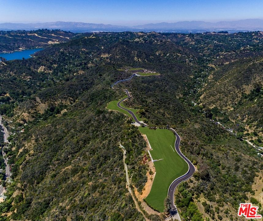 Property for sale at 2001 BENEDICT CANYON DR, Beverly Hills,  CA 90210
