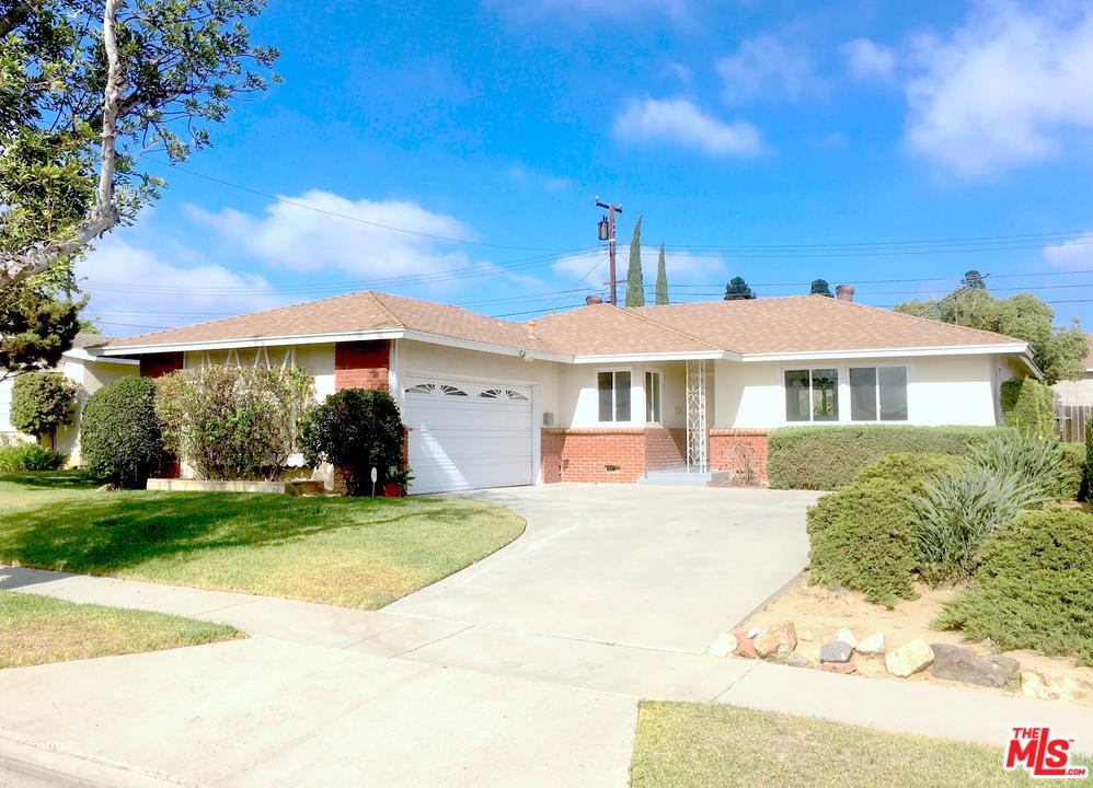 19208 ANNALEE Avenue - Carson, California