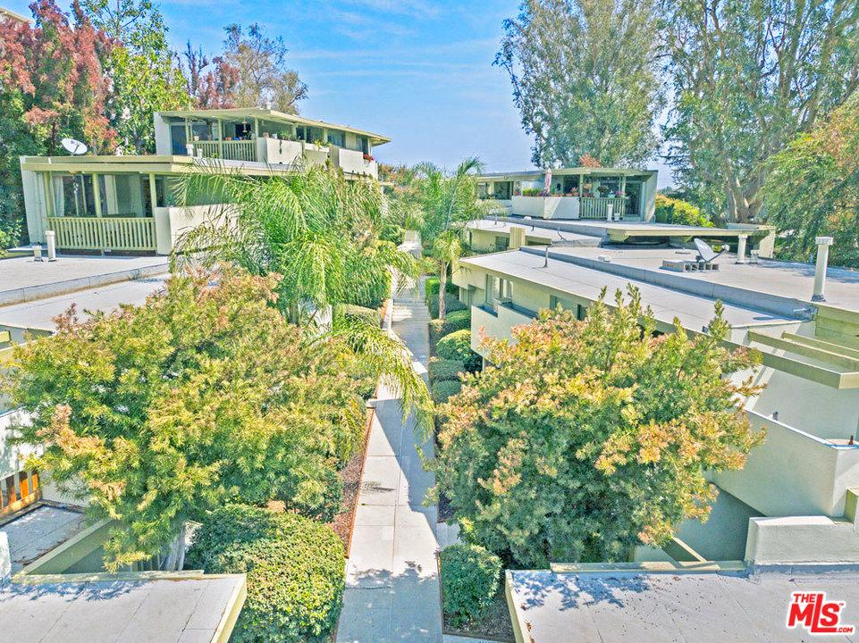 Property for sale at 11833 LAURELWOOD DR, Studio City,  CA 91604