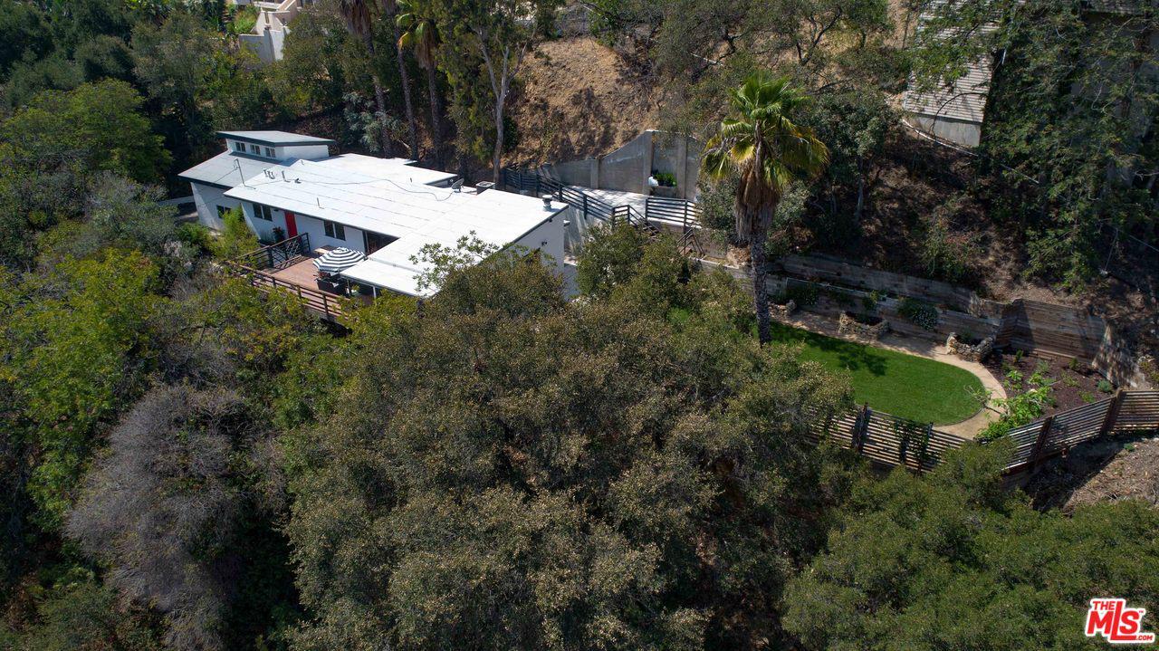 3375 COLDWATER CANYON Avenue - Studio City, California
