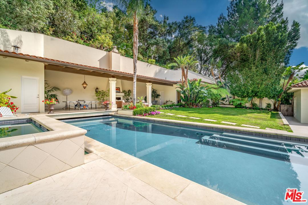 Photo of 2620 HUTTON DR, Beverly Hills, CA 90210