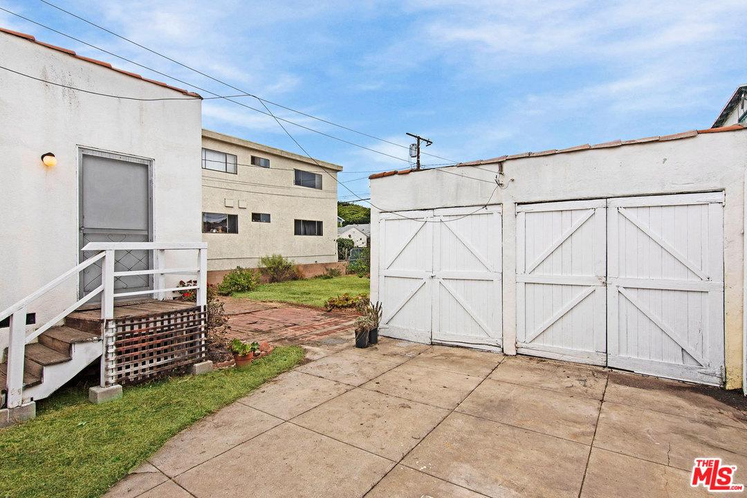 2425 20TH STREET, SANTA MONICA, CA 90405  Photo 32