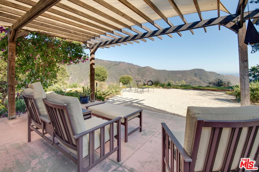1996 NEWELL ROAD, MALIBU, CA 90265