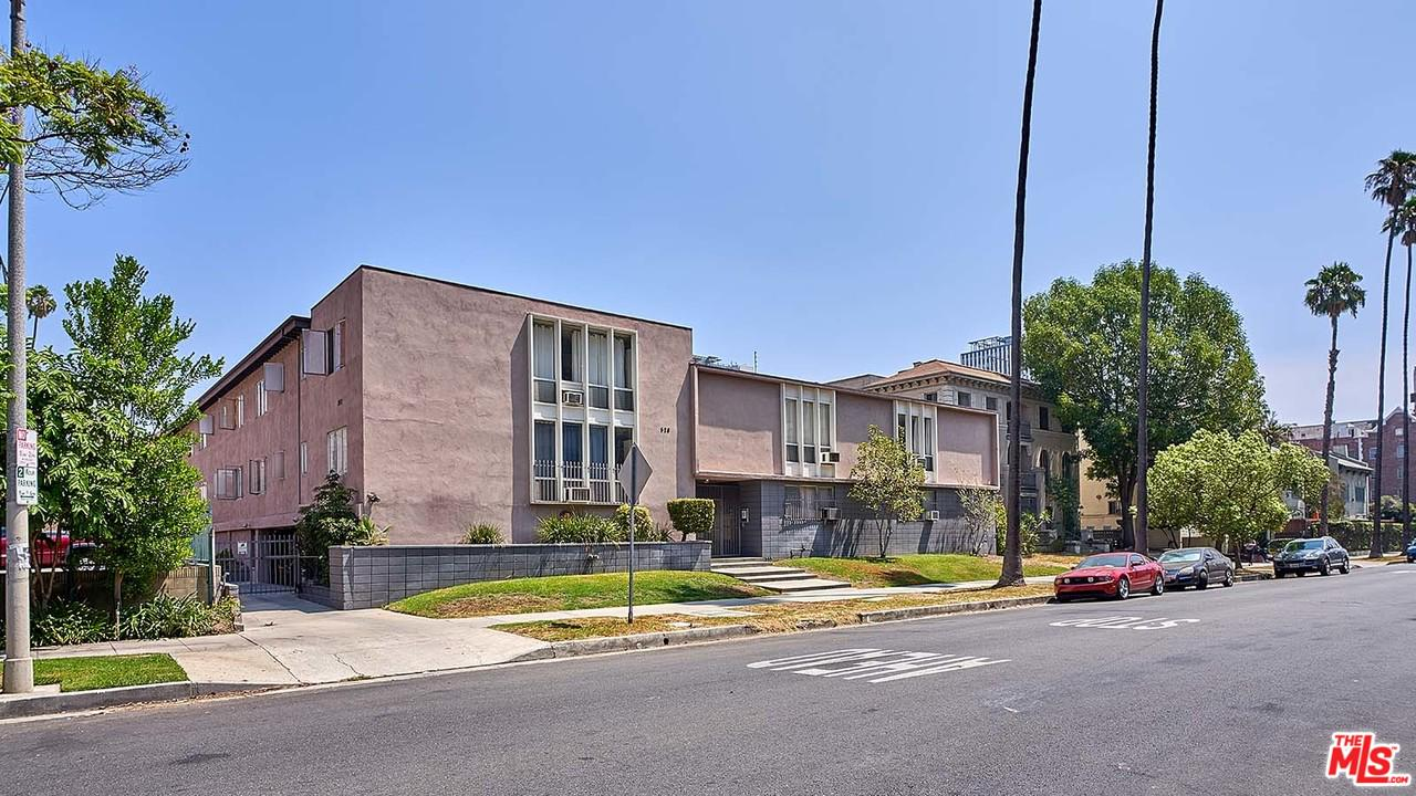 Photo of 526 S ST ANDREWS PL, Los Angeles, CA 90020