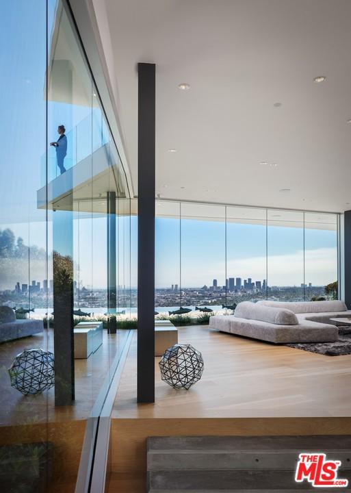 Property for sale at 8516 HEDGES PL, Los Angeles,  CA 90069