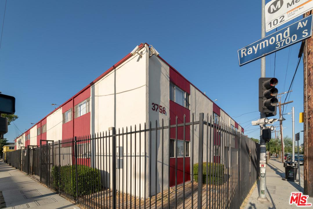 Property for sale at 3756 RAYMOND AVE, Los Angeles,  CA 90007