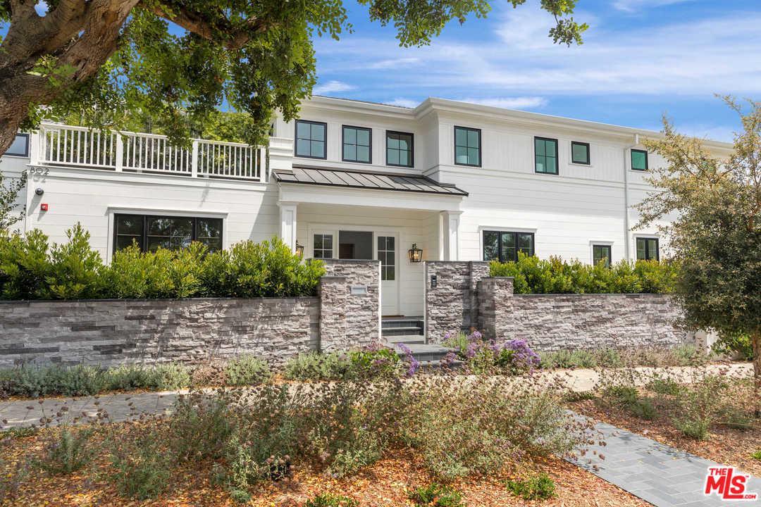 Property for sale at 808 SAN VICENTE BLVD, Santa Monica,  CA 90402