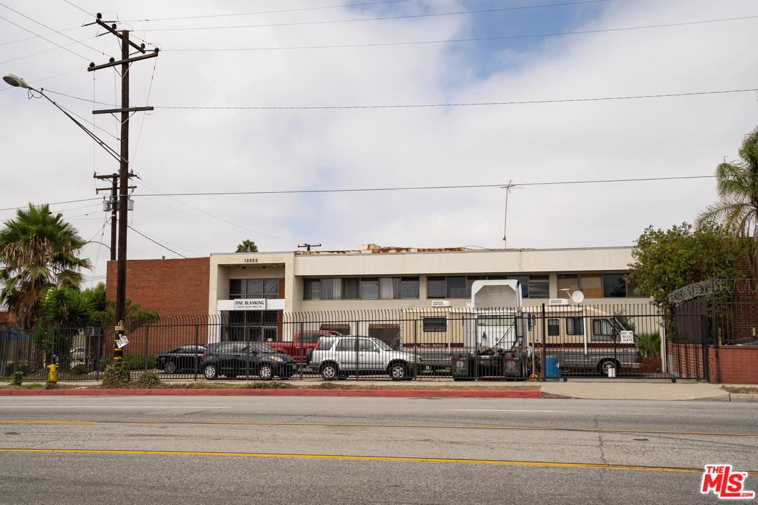 Property for sale at 13039 S MAIN ST, Los Angeles,  CA 90061
