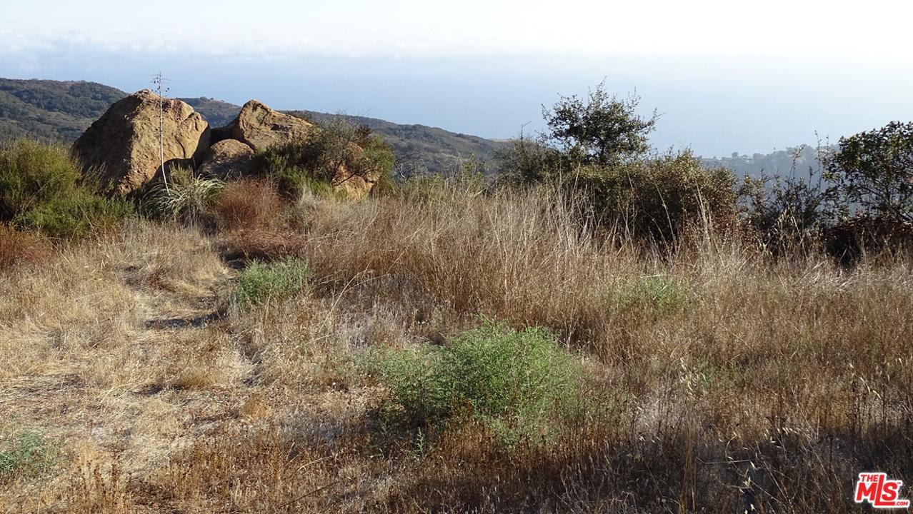 LAS FLORES HEIGHTS, Malibu, CA 90265