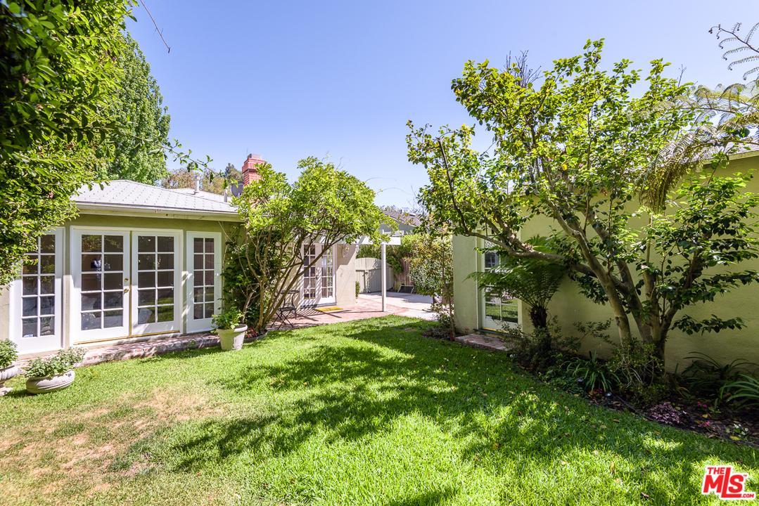 11333 ALBATA STREET, LOS ANGELES, CA 90049  Photo 32