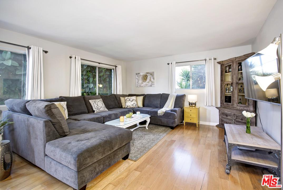 Property for sale at 1101 S HOLT AVE #3, Los Angeles,  CA 90035