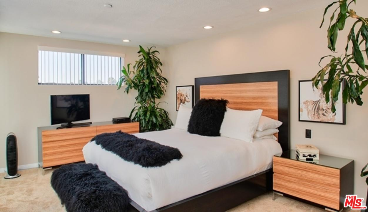 12000 GOSHEN AVENUE #305, LOS ANGELES, CA 90049  Photo 17