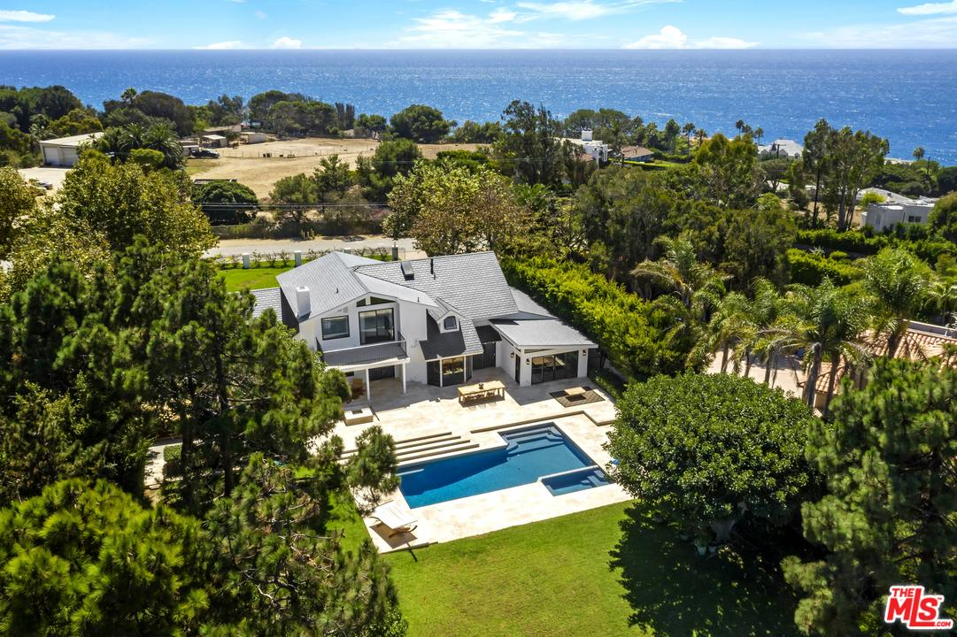 29427 BLUEWATER Road - Malibu, California