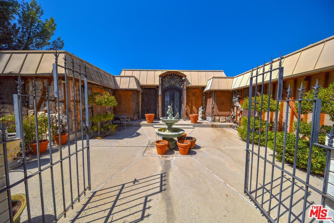 1675 CARLA, Beverly Hills, CA 90210