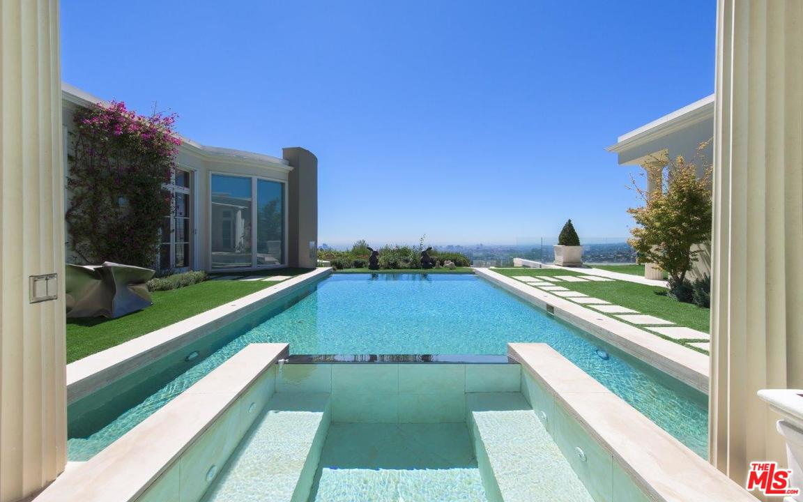 Photo of 610 ARKELL DR, Beverly Hills, CA 90210