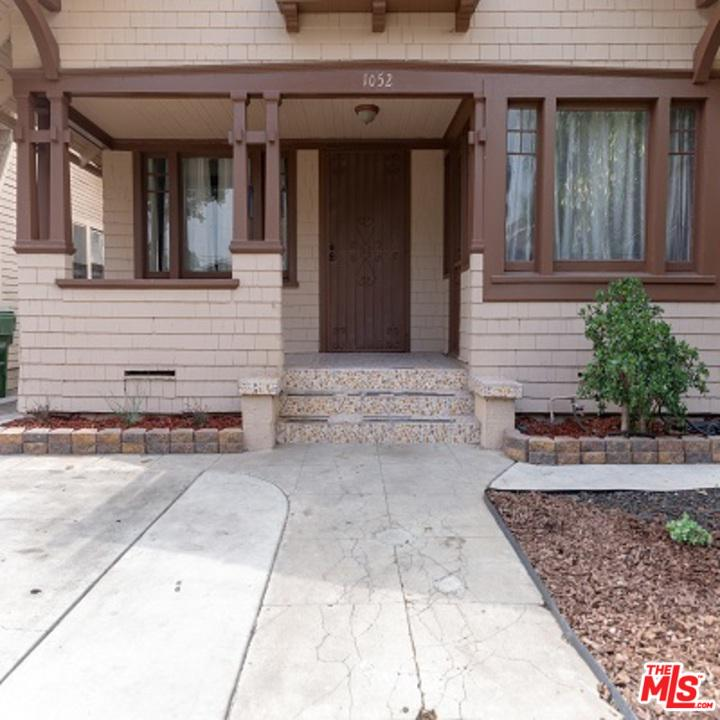 1052 53RD, Los Angeles (City), CA 90037