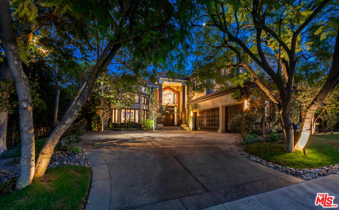 11718 WETHERBY, Los Angeles (City), CA 90077