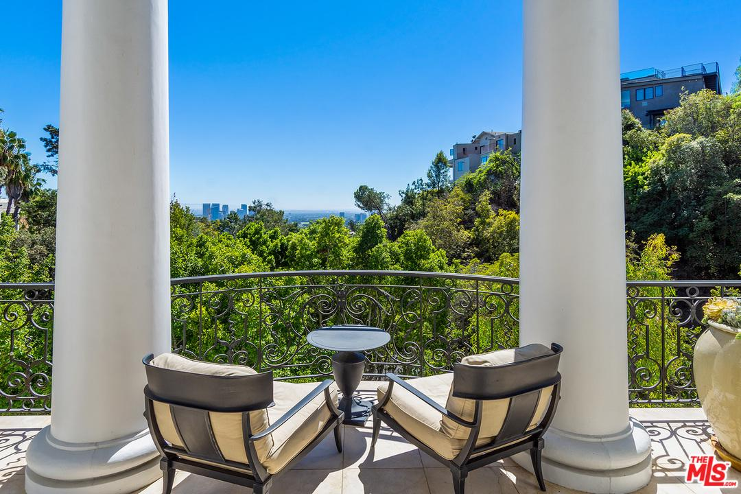 1404 DAWNRIDGE, Beverly Hills, CA 90210