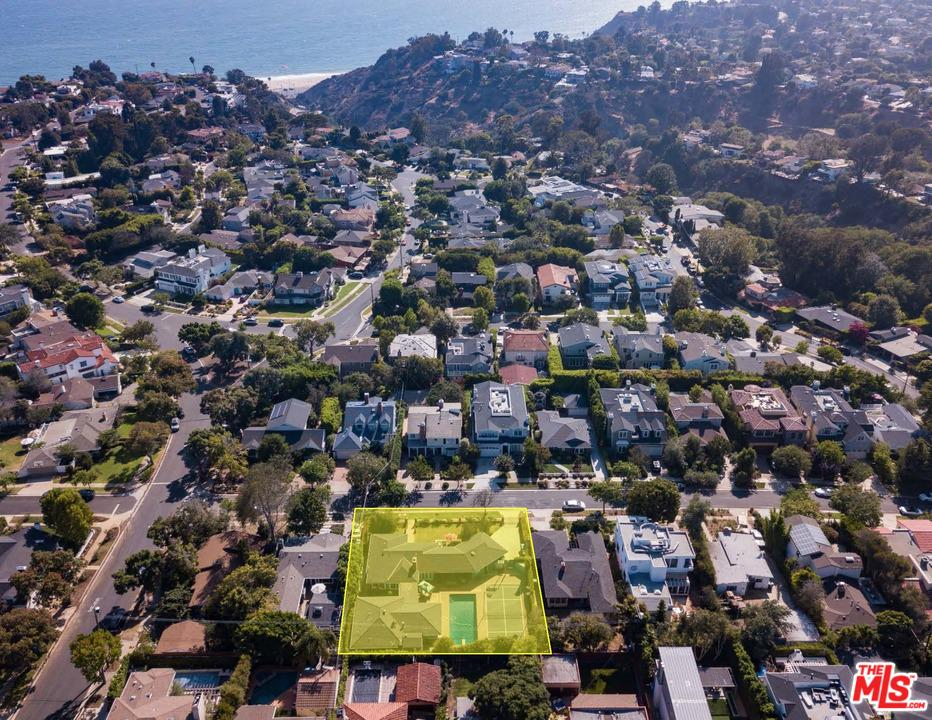 Photo of 16011 MIAMI WAY, Pacific Palisades, CA 90272