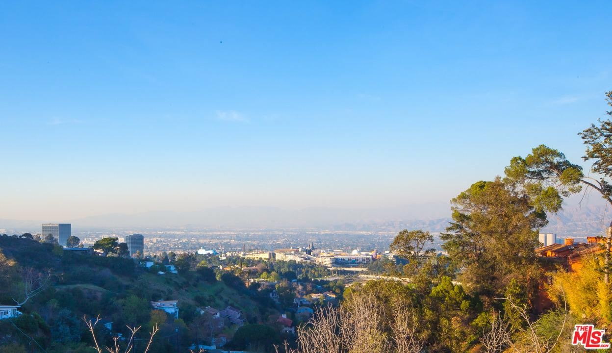 2835 OAK POINT, Los Angeles (City), CA 90068