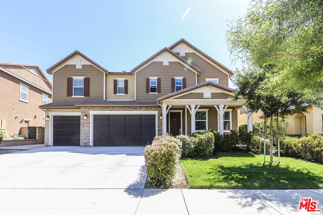 Photo of 22324 WINDRIVER CT, Saugus, CA 91350