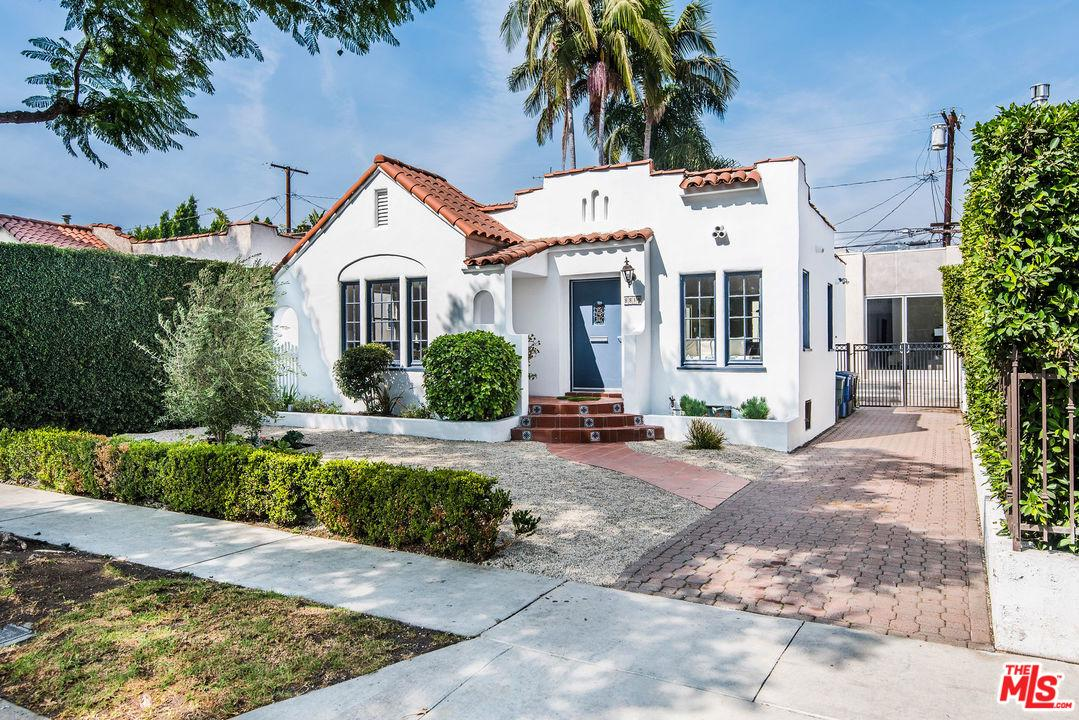8819 DORRINGTON, West Hollywood, CA 90048