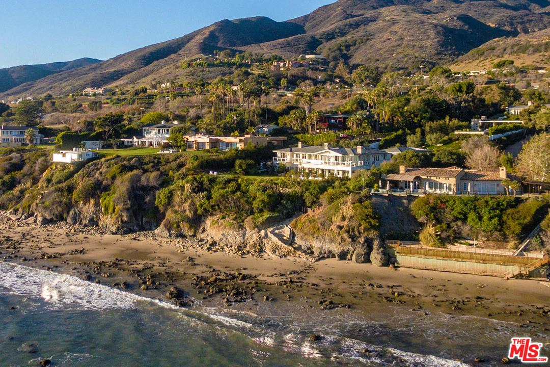 33740 PACIFIC COAST Highway - Malibu Beach, California