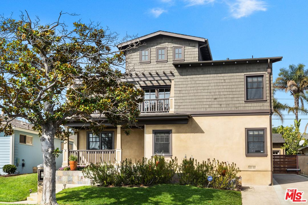 7425 OGELSBY, Los Angeles (City), CA 90045