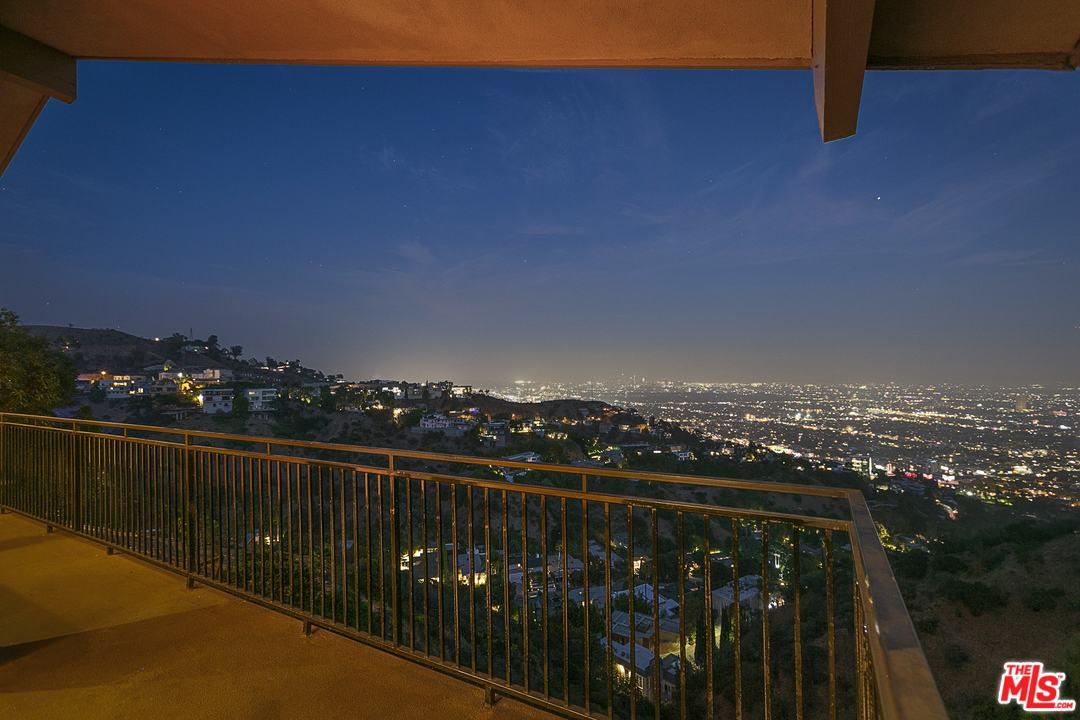 1550 BLUE JAY, Los Angeles (City), CA 90069