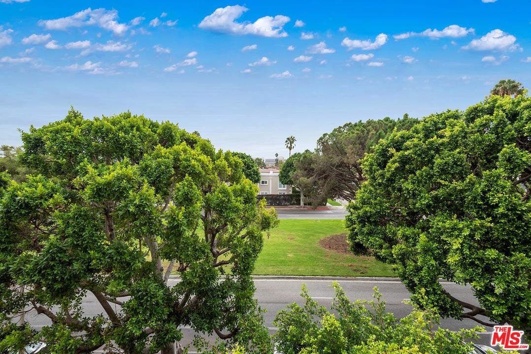 9249 BURTON WAY #403, BEVERLY HILLS, CA 90210  Photo 10
