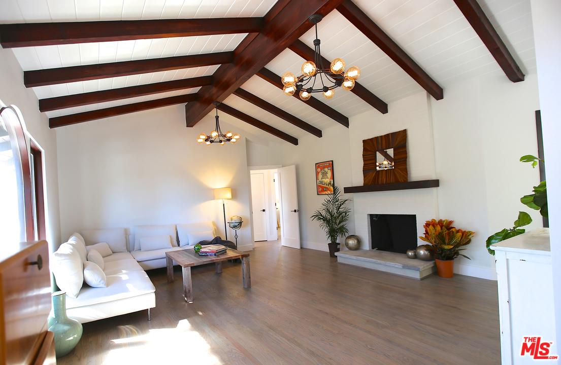 3330 KNOLL, Los Angeles (City), CA 90068