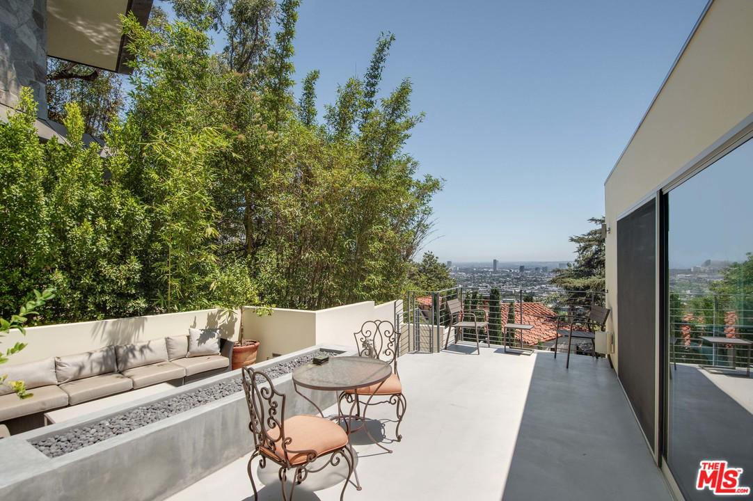 1385 MILLER, Los Angeles (City), CA 90069