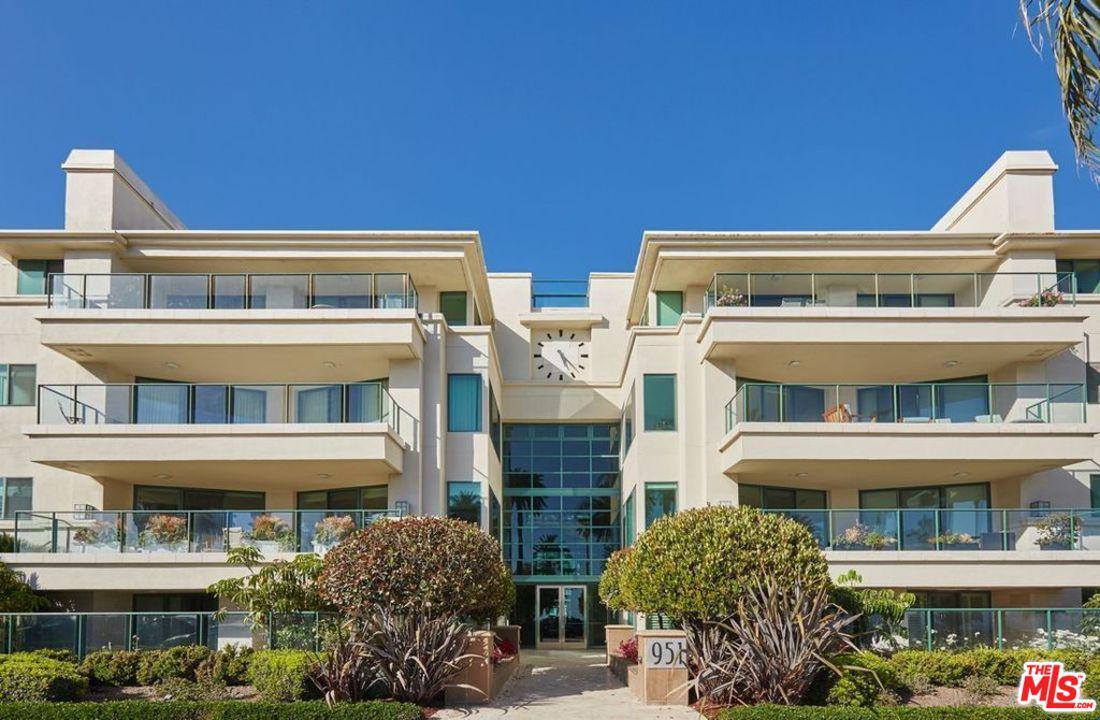 Photo of 951 OCEAN AVE, Santa Monica, CA 90403