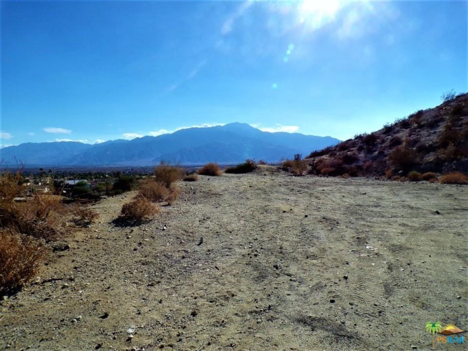 1 CALLE DE  VECINOS, Desert Hot Springs, CA 92240