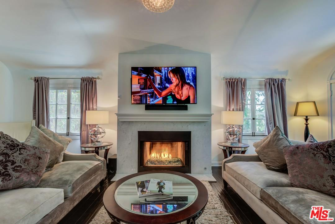 Photo of 1240 N OLIVE DR, West Hollywood, CA 90069