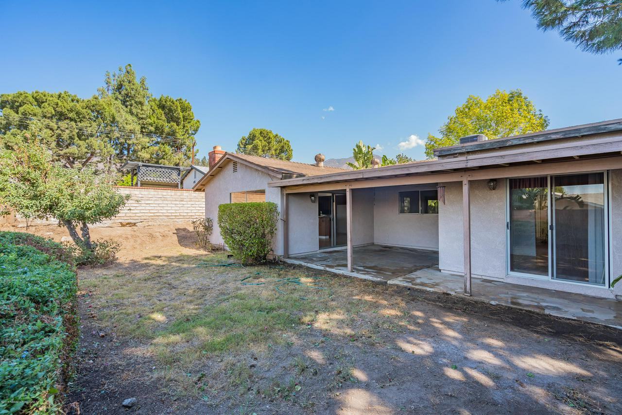 1882 BUCKEYE, Highland, CA 92346 - Rear Patio House