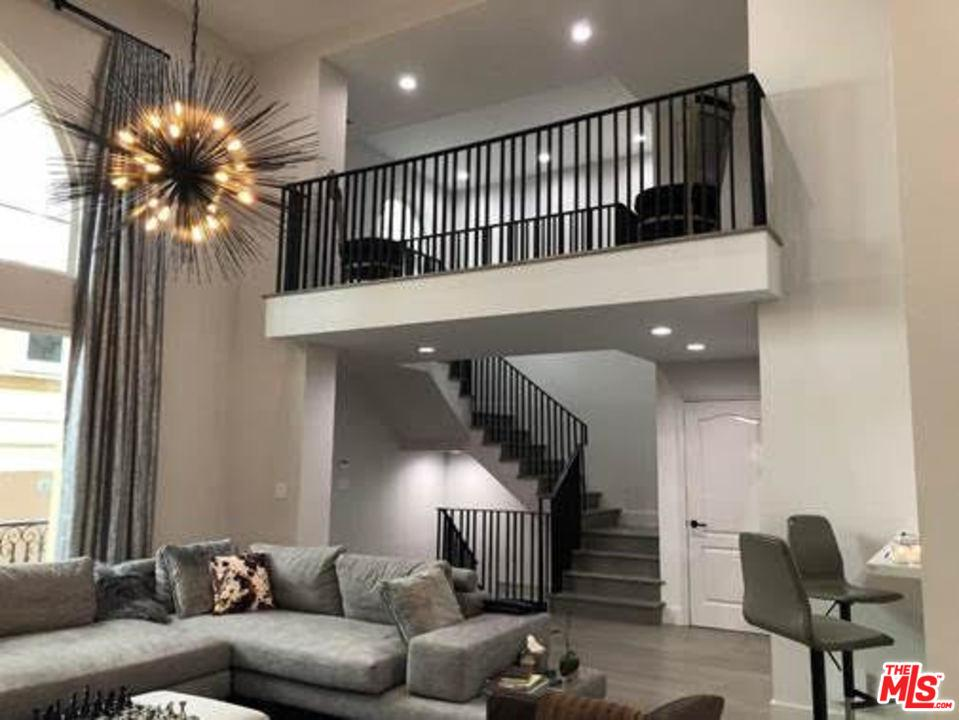 Property for sale at 11978 MAYFIELD AVE #3, Los Angeles,  CA 90049
