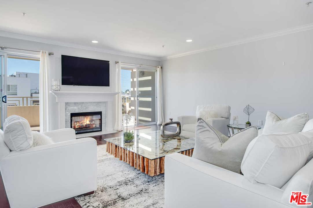 Photo of 1222 S WESTGATE AVE, Los Angeles, CA 90025