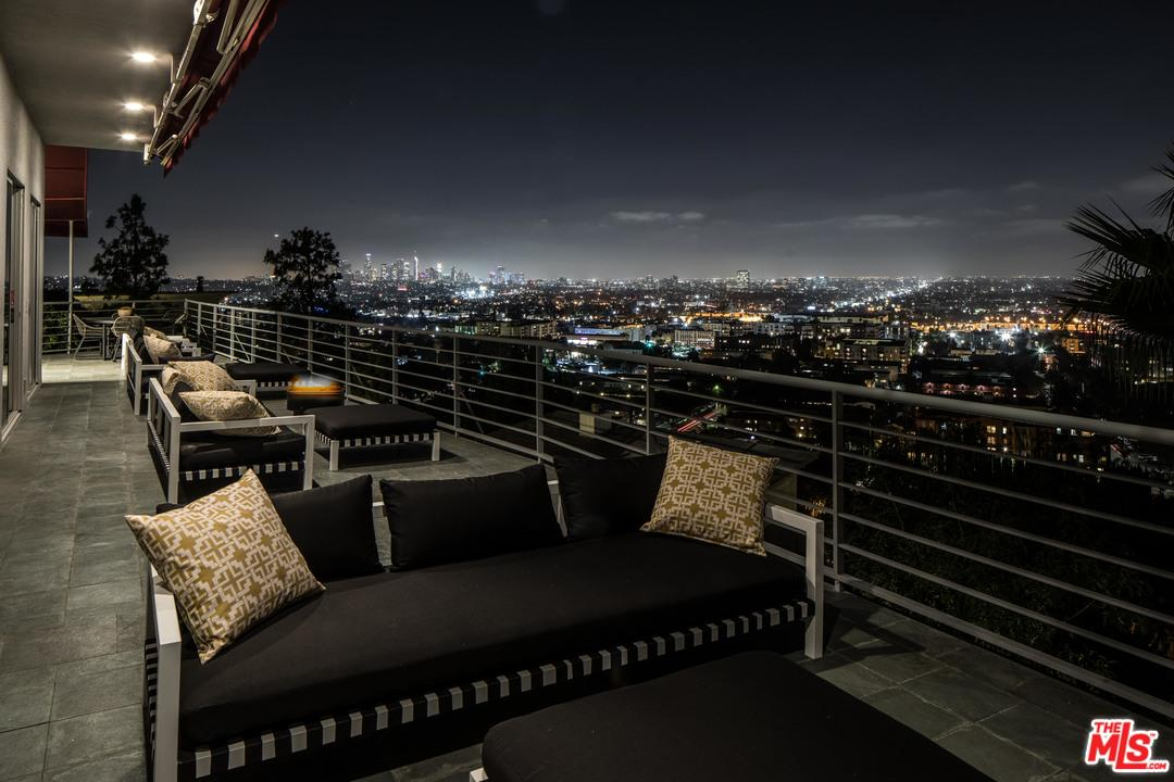 2069 GRAMERCY, Los Angeles (City), CA 90068