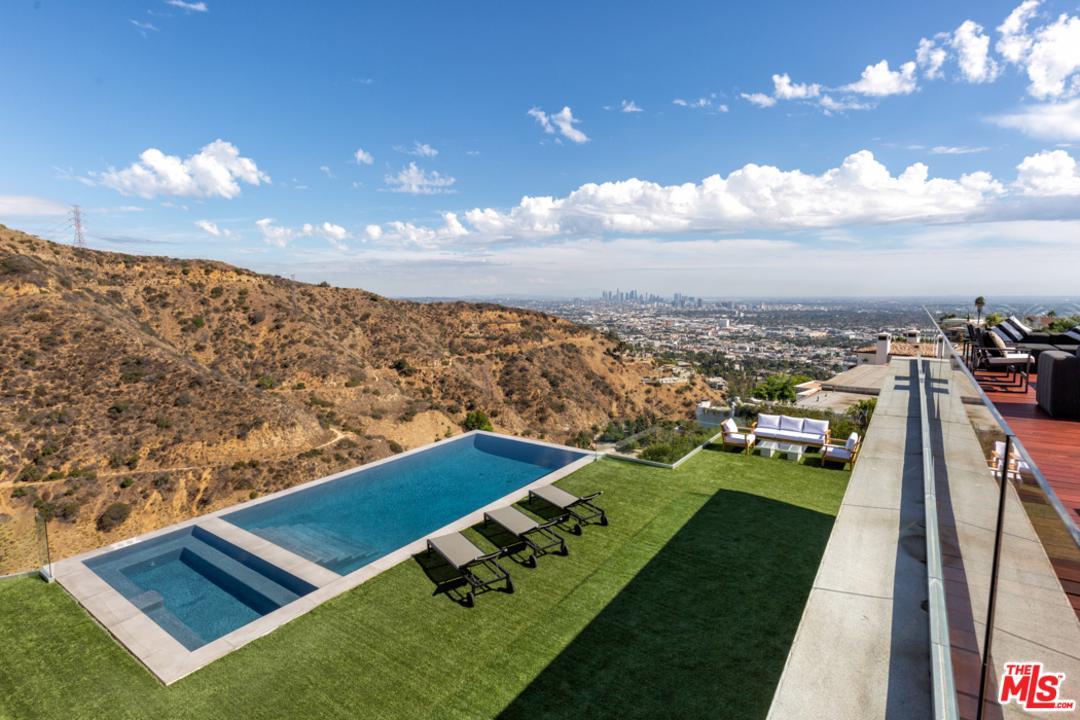 2110 HERCULES, Los Angeles (City), CA 90046