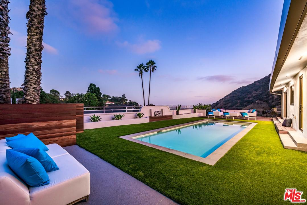 7179 CHELAN, Los Angeles (City), CA 90068