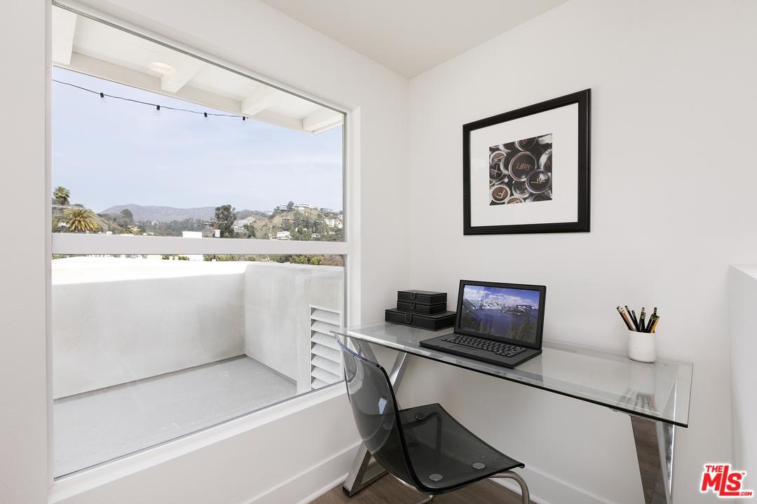 2111 CAHUENGA, Hollywood, CA 90068