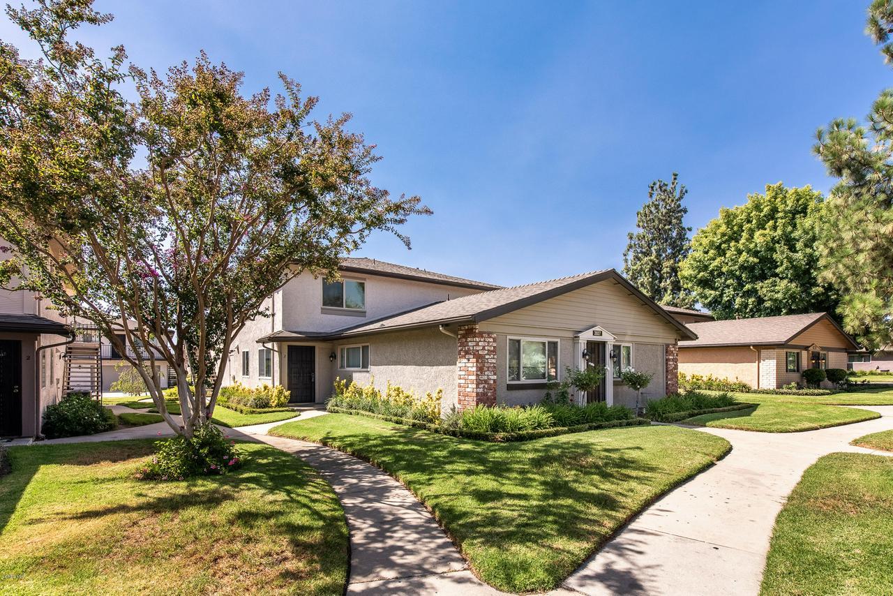 Photo of 2027 NORTH AVENIDA VISTA DELMONTE #2, Simi Valley, CA 93063