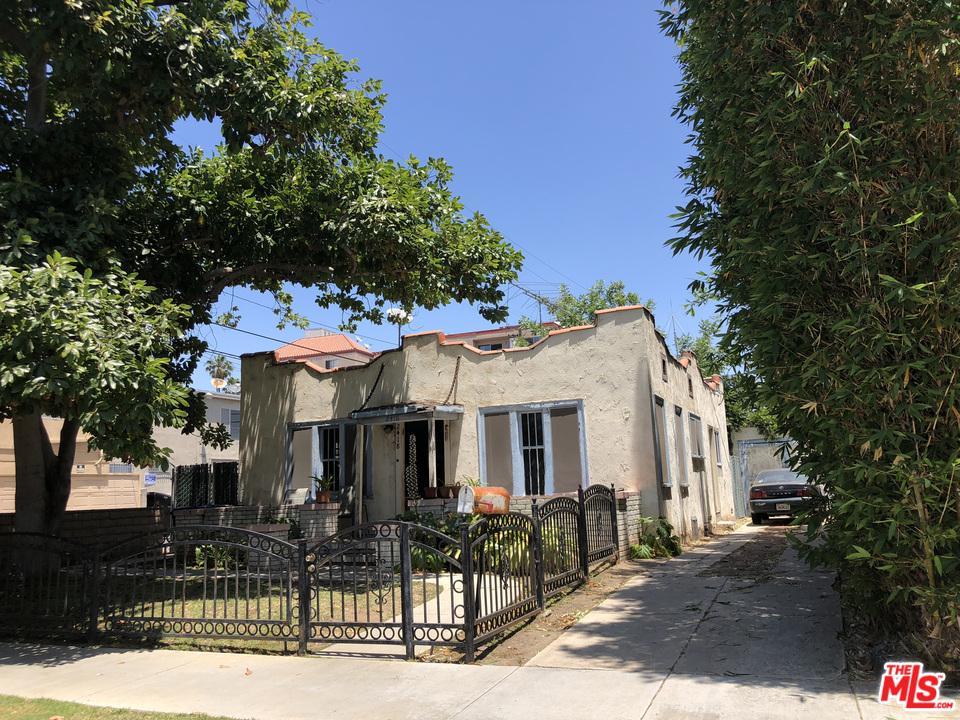 Photo of 2418 WALNUT AVE, Venice, CA 90291