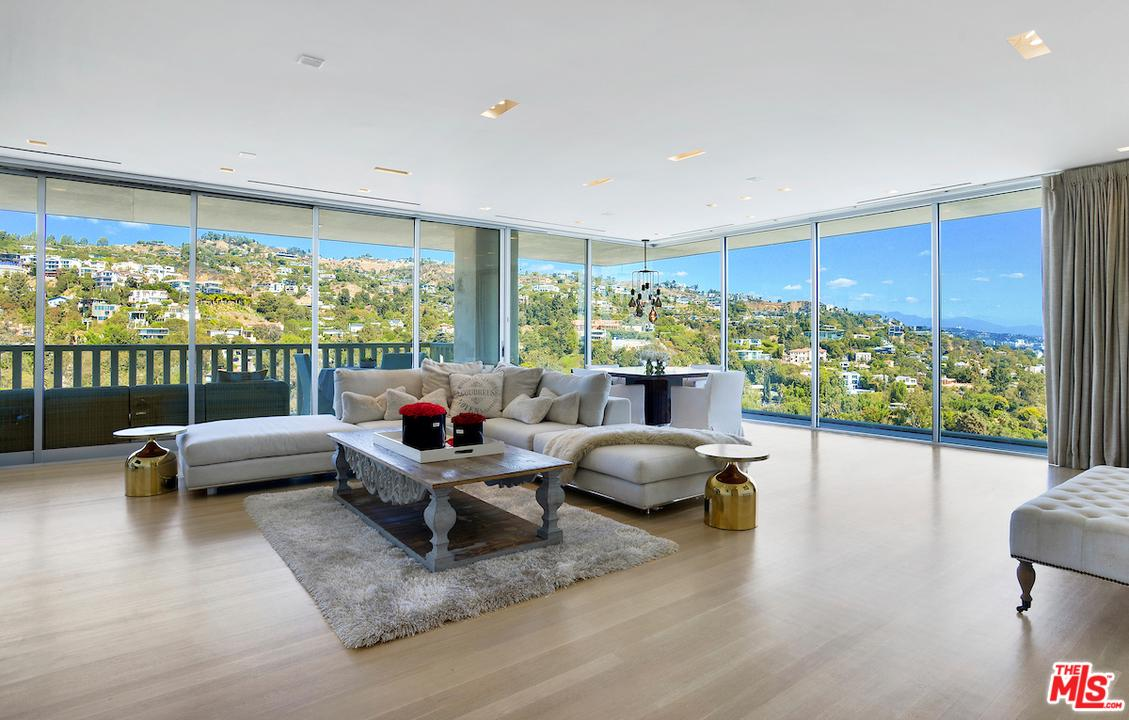 9255 DOHENY, West Hollywood, CA 90069