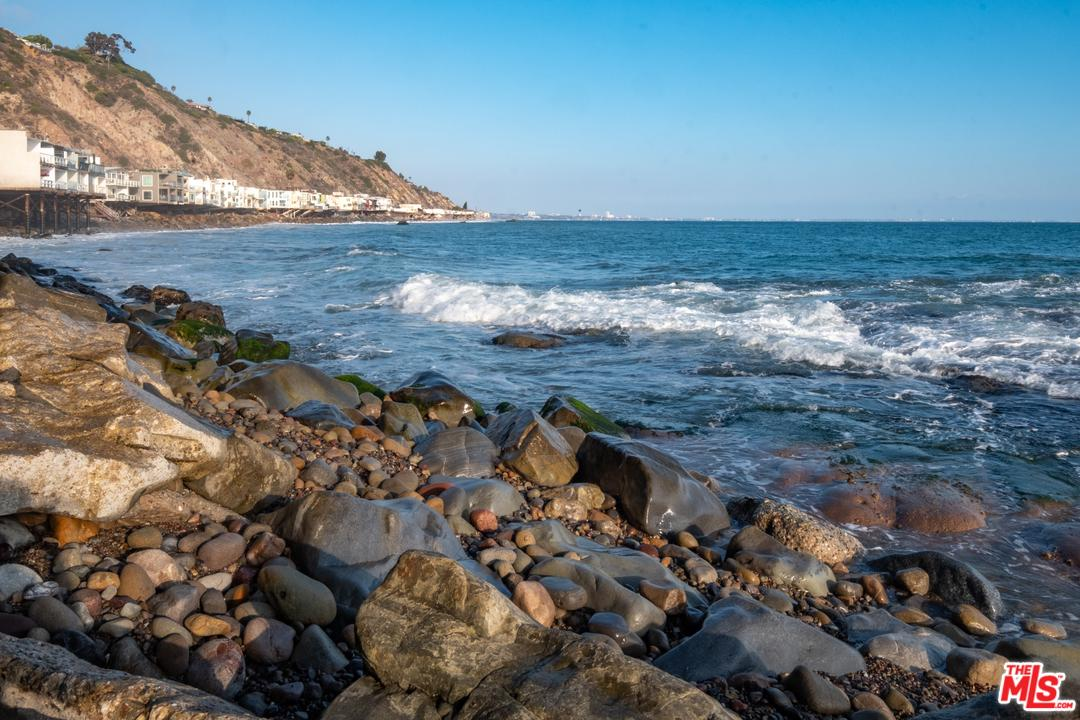 20718 PACIFIC COAST HIGHWAY #4, MALIBU, CA 90265  Photo 9